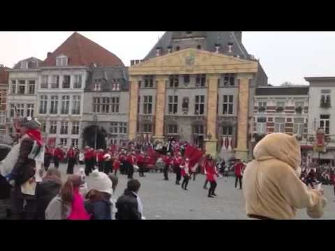 Парад в Bergen op zoom, Голландия