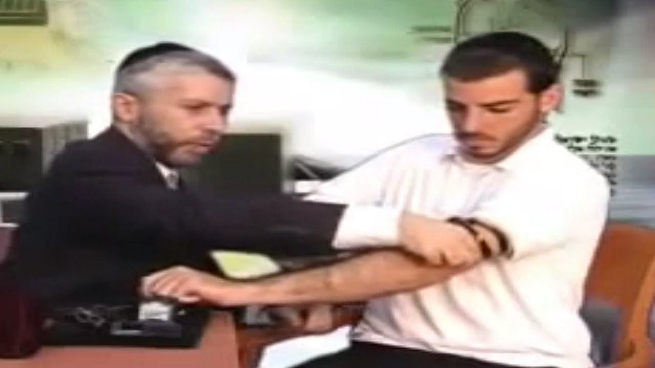 ☢ בול פגיעה - הרב זמיר כהן: איך מניחים תפילין?