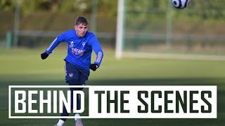 The squad get set for Everton! | Behind the scenes at Arsenal Training Centre