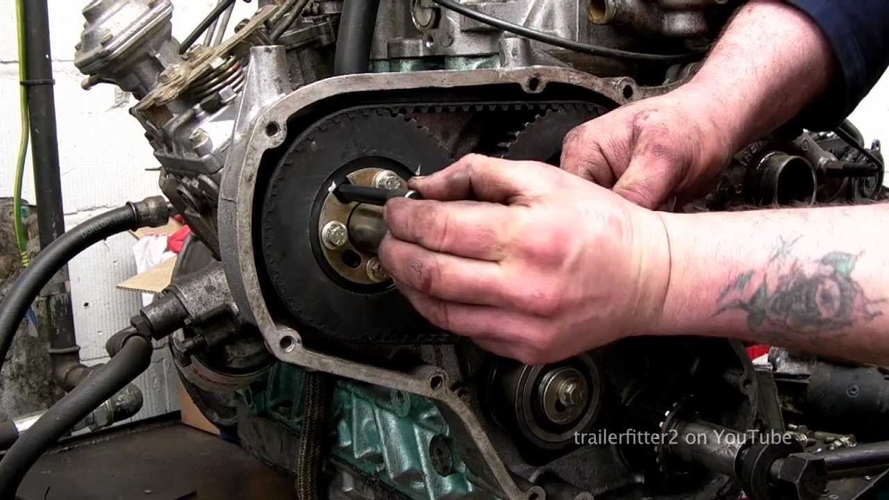 Land Rover 200tdi Engine ing the Timing Belt - YouTube