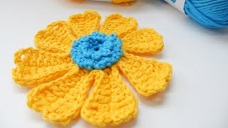 A rather funky crochet flower to try today with my Flower Power Bloom. I'm using the awesome new range of Aran (worsted) weight cotton yarns by Paintbox (big ...