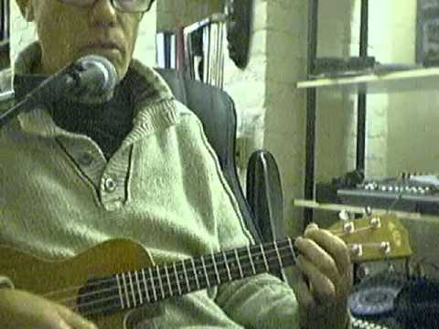 How To Play An Open E Chord On A Ukulele Youtube