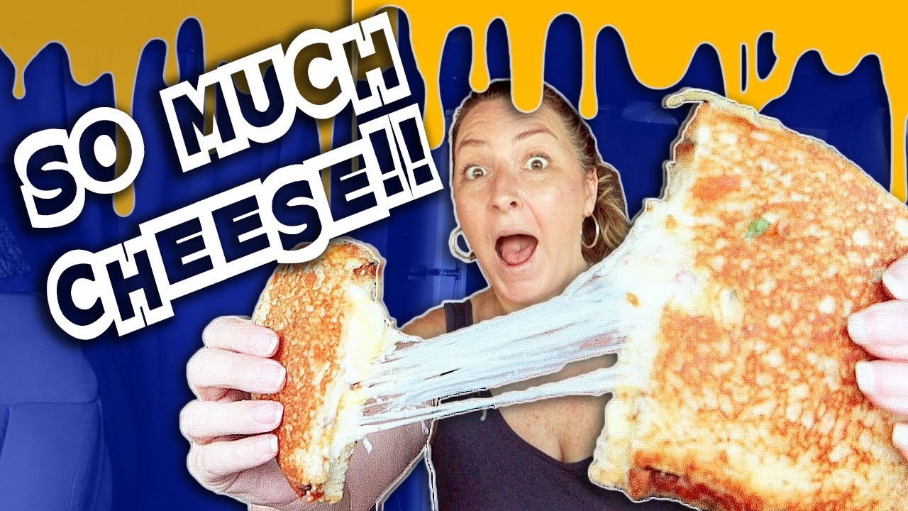 Trying 5 Grilled Cheese Sandwiches in New York!! (Yorktown Food Truck) // Travel Snacks