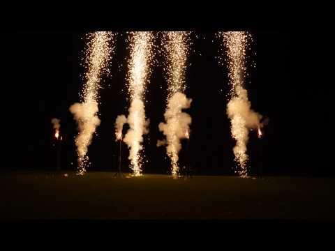 Feuerwerk zum Geburtstag zur Musik von  Coldplay