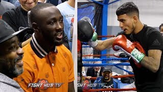 JOSE BENAVIDEZ RUNNING COMBINATIONS IN WORKOUT WHILE BEING HECKLED BY COACH BOMAC & TERENCE CRAWFORD