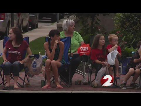 Parade kicks off Vectren Dayton Airshow weekend