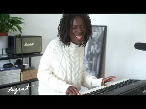 AYSAT - Comme Une Grande | Acoustic Live