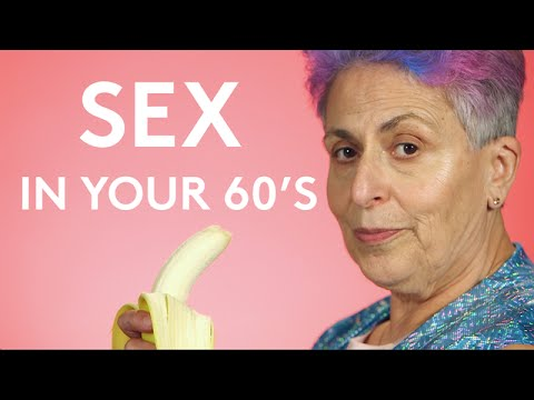 Old recording women having sex