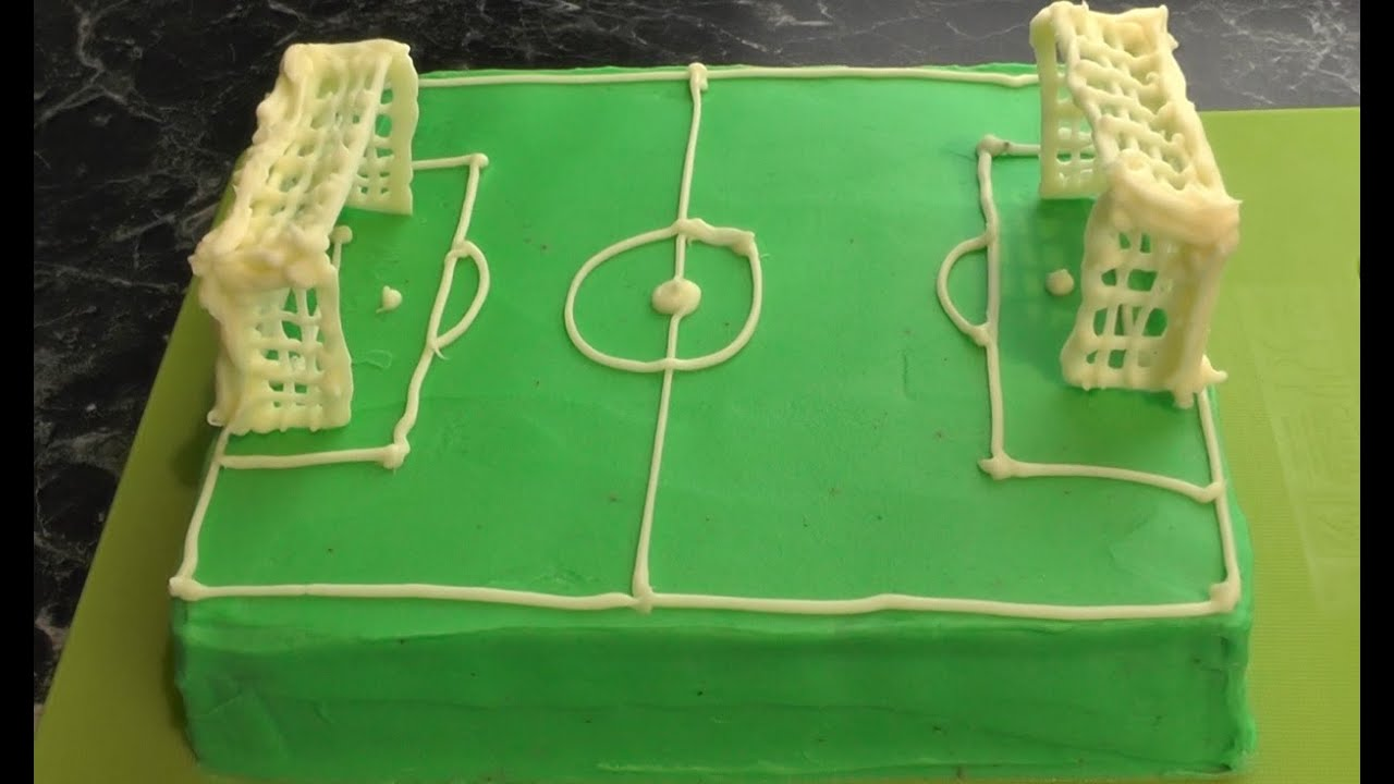 Fussballfeld Torte Em Torte Freaky Baking Ninnin