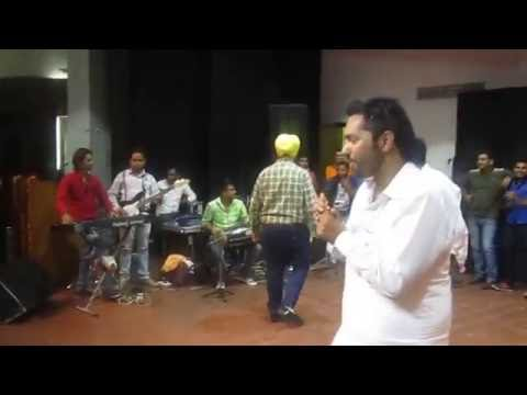 Gurjant Singh Singing Babbu Maan  Live @ Law Auditorium Panjab University Chandigarh