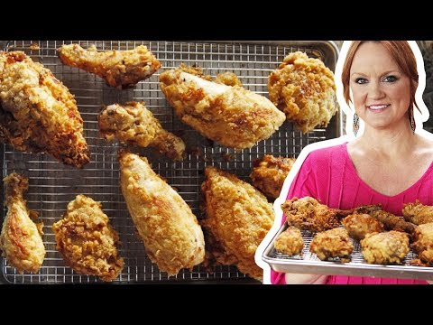 The Pioneer Woman Makes Fried Chicken | The Pioneer Woman | Food Network