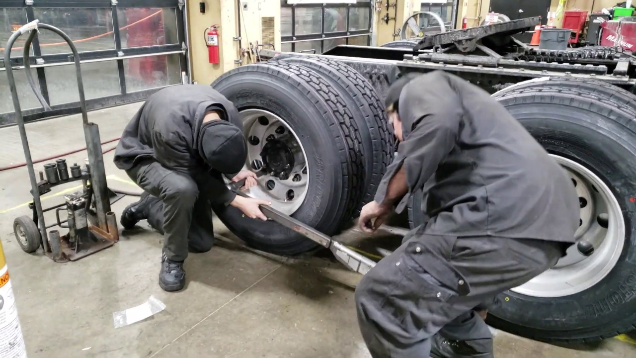Semi Truck Tires Near Me >> How To Change The Steer Tire On A Commercial Semi Truck Part 2