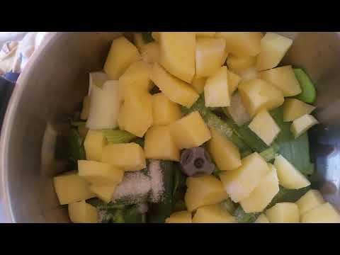 potage-veloute-poireaux-pommes-de-terre-au-compact-cook-elite
