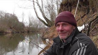 Открытие фидерного сезона в марте на реке Свислочь Карпы разгибают крючки Рыбалка в Беларуси