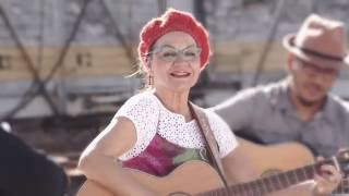 Ondina Lobos - De Luz & De Nuez (Album Musos)
