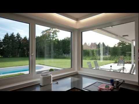 Modernes, lichtdurchflutetes Einfamilienhaus mit Garten und Pool
