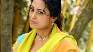 Actress Meenakshi in trouble... Hits at Assistant Director...!