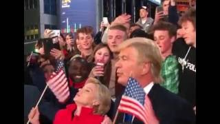 hillary clinton and donald trump on time square snl with alec baldwin and kate mckinnon