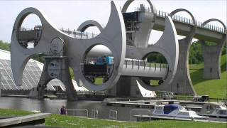 Falkirk Wheel, Central Scotland(A real time view of the Falkirk Wheel turning 180 degrees. The wheel joins two canals and gives access to Glasgow and Edinburgh. It is an engineering ..., 2013-05-18T08:36:43.000Z)