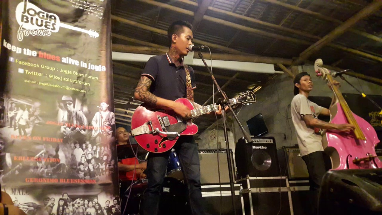 Rescue Trio Rockabilly at Jogja Blues Forum (1) - YouTube