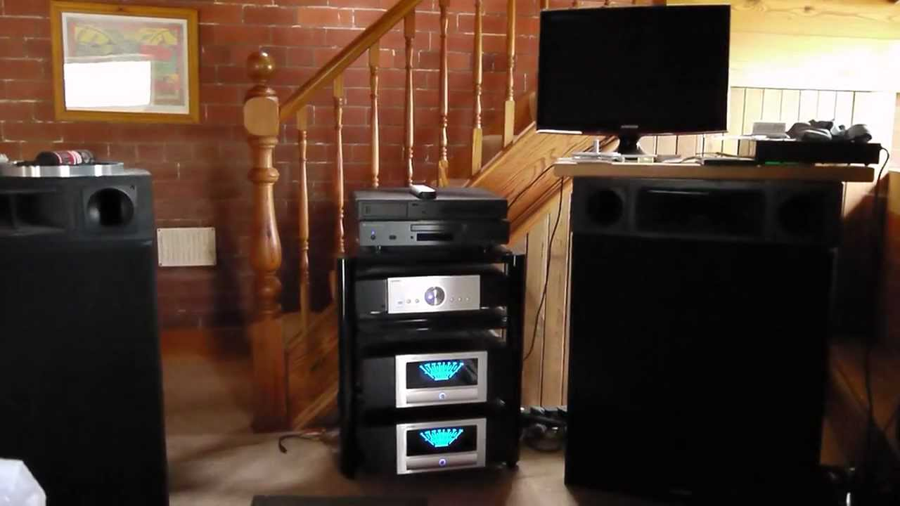 advance acoustic mpp 206 pre amp 2 x maa 705 mono block power amps youtube. Black Bedroom Furniture Sets. Home Design Ideas