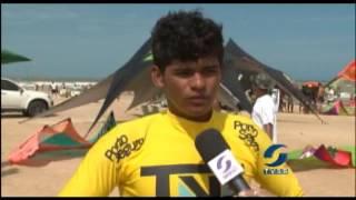 Cidade de Mucuri organiza torneio de kitesurf.