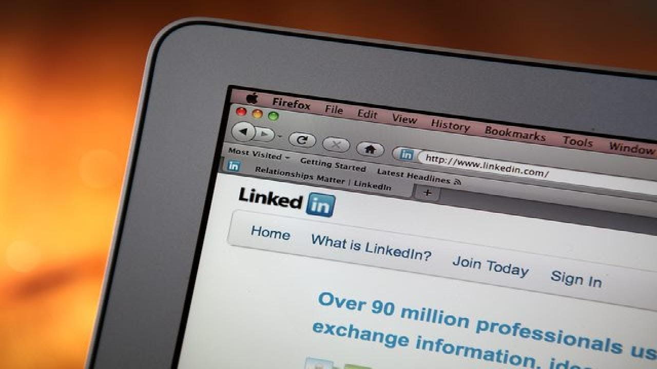 how to upload a resume on linkedin youtube