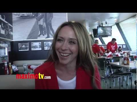 "Jennifer Love Hewitt on ""The Client List' New Season to Premiere March 10, 2013"