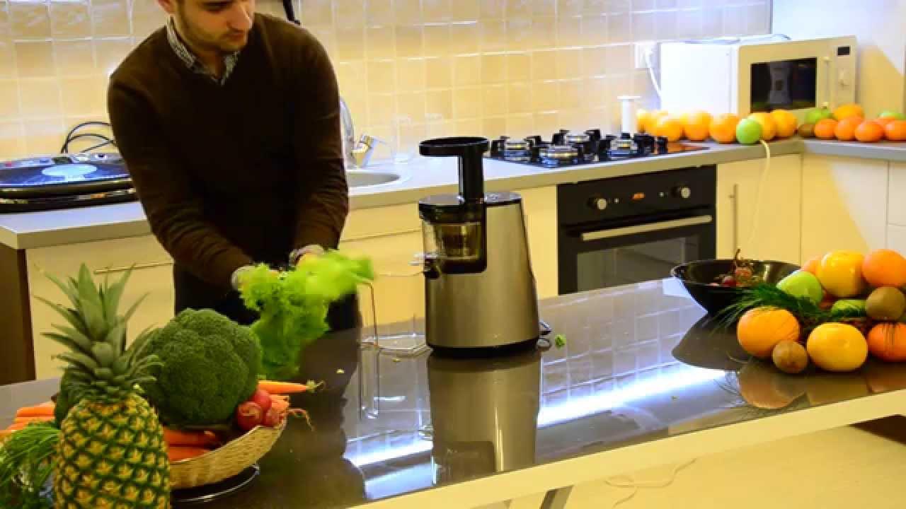 Rețete de sucuri verzi. 3 recomandări anti-oboseală