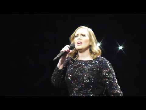 Adele - Hello @ Barcelona