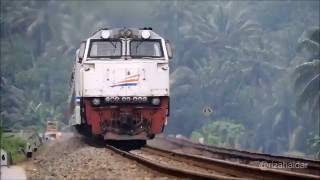 Kereta Api Taksaka Melintas di Petak Karanggandul - Karangsari