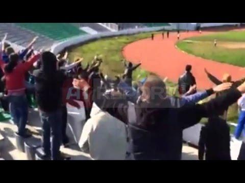 A1 Report - Përleshje mes tifozëve në Mitrovicë   ndërpritet derbi i futbollit kosovar