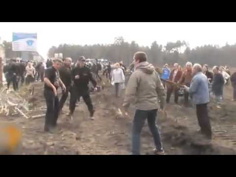 BEST police fight 2013 in Russia from YouTube · Duration:  1 minutes 58 seconds