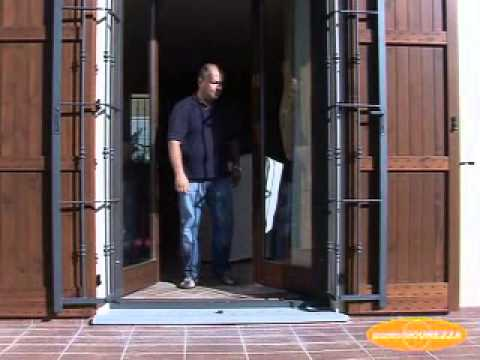 Come funzionano grate e inferriate di sicurezza - PS Casa - YouTube
