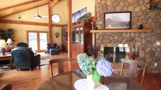 Plenty of Room for Family and Friends in this Gateway Mountain Retreat