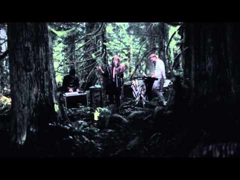 Niki & The Dove - The Fox [Live Performance Video]