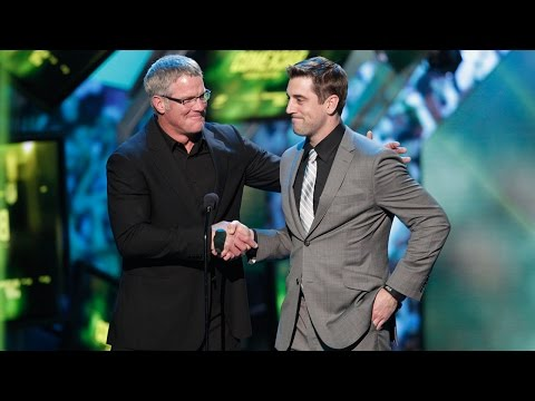 Aaron Rodgers & Brett Favre trade jokes at 2013 NFL Honors