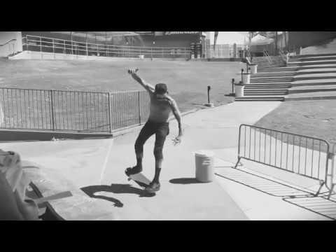 Yelawolf Skateboard 1