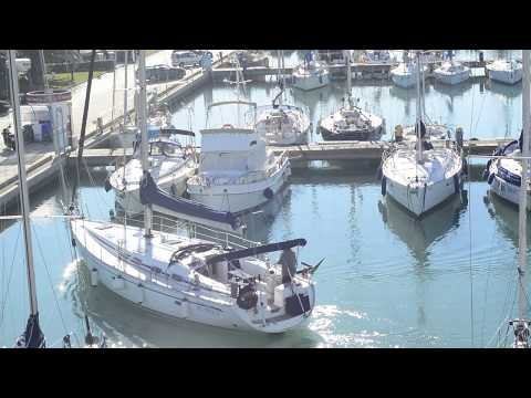 ormeggio barca a vela #mooring sail boat #docking# berthing#crash#trouble 2