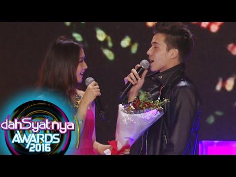 Boy & Reva Nyanyi 'Lagu Galau' Dengan Mesra [Dahsyat Awards 2016] [25 Jan 2016]