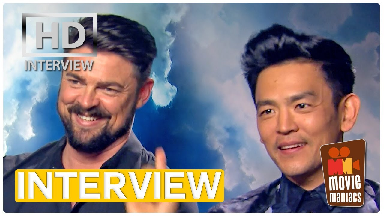 Star Trek Beyond | Interviews with the Cast (Chris Pine & Zachary Quinto)