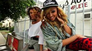 Watch Tinashe Chainless video