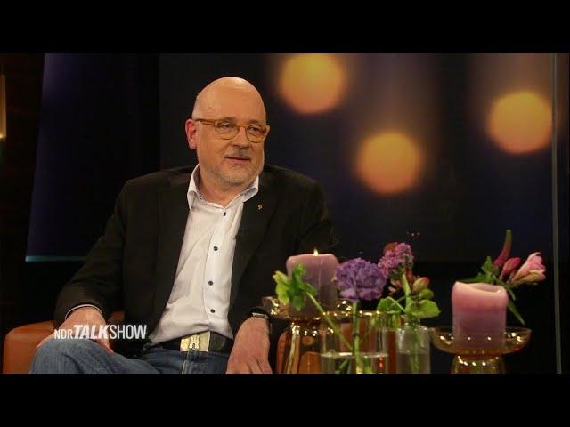 Leiter des Impfzentrums Hamburg Dr. Dirk Heinrich | NDR Talk Show | NDR