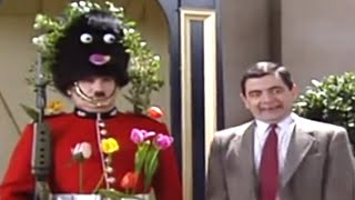 Decorating the Guard   Mr. Bean Official