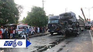 Đâm xe đầu kéo, tài xế chết thảm trong cabin | VTC