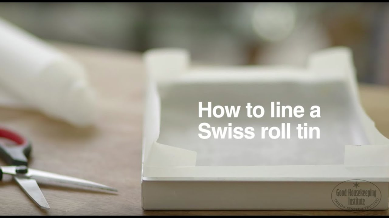 How To Line A Swiss Roll Tin | Good Housekeeping UK