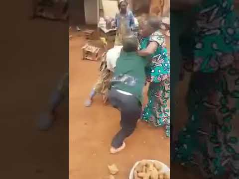 Market women fighting at CPDM convention in small village in Cameroon thumbnail