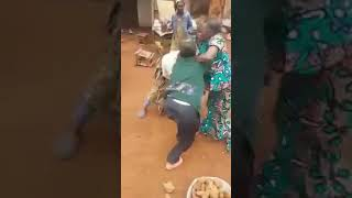 Video Market women fighting at CPDM convention in small village in Cameroon download MP3, 3GP, MP4, WEBM, AVI, FLV Juli 2018