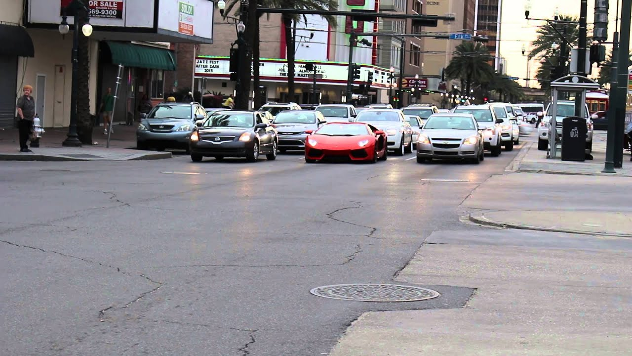 Lamborghini Driving Down Canal St In New Orleans Youtube