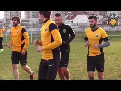 Футболисты московского